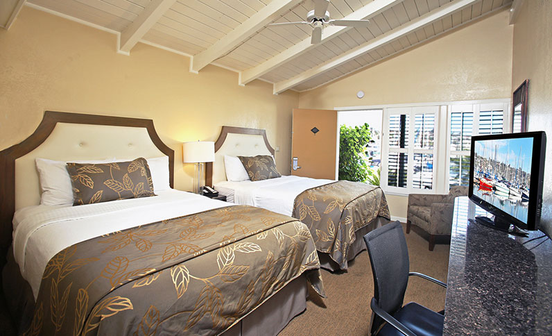best-western-plus-island-palms-hotel-and-marina-island-palms-marina-view-guest-rooms-large